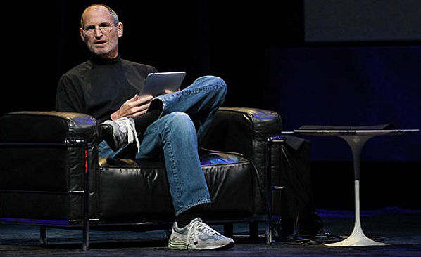 steve_jobs_sitting_main