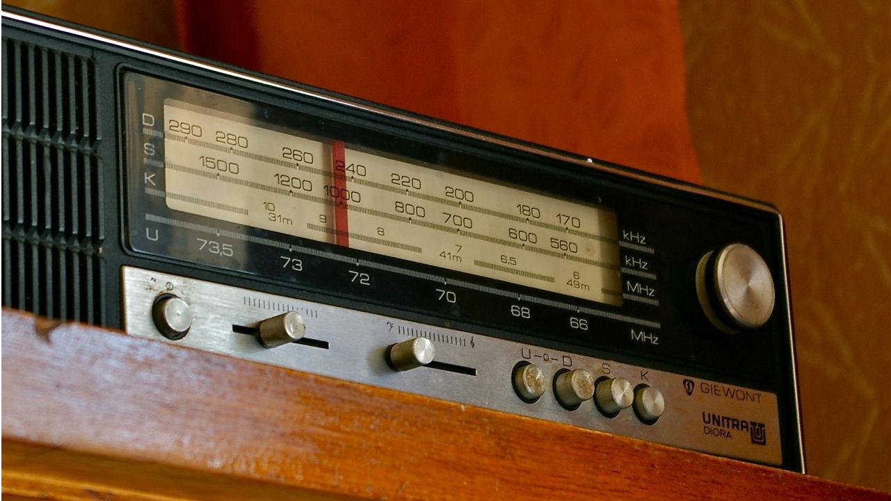 Tak drogie dzieci wygląda radio. Moja babcia miała inne